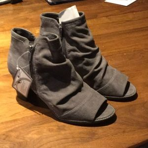 Gray suede open toe boots!